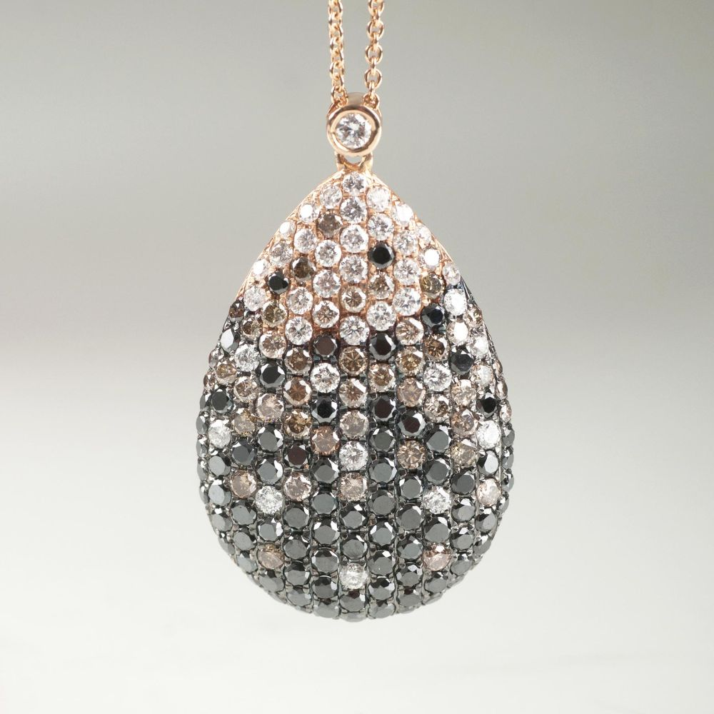 A Pendant with multicoloured Diamonds on Necklace