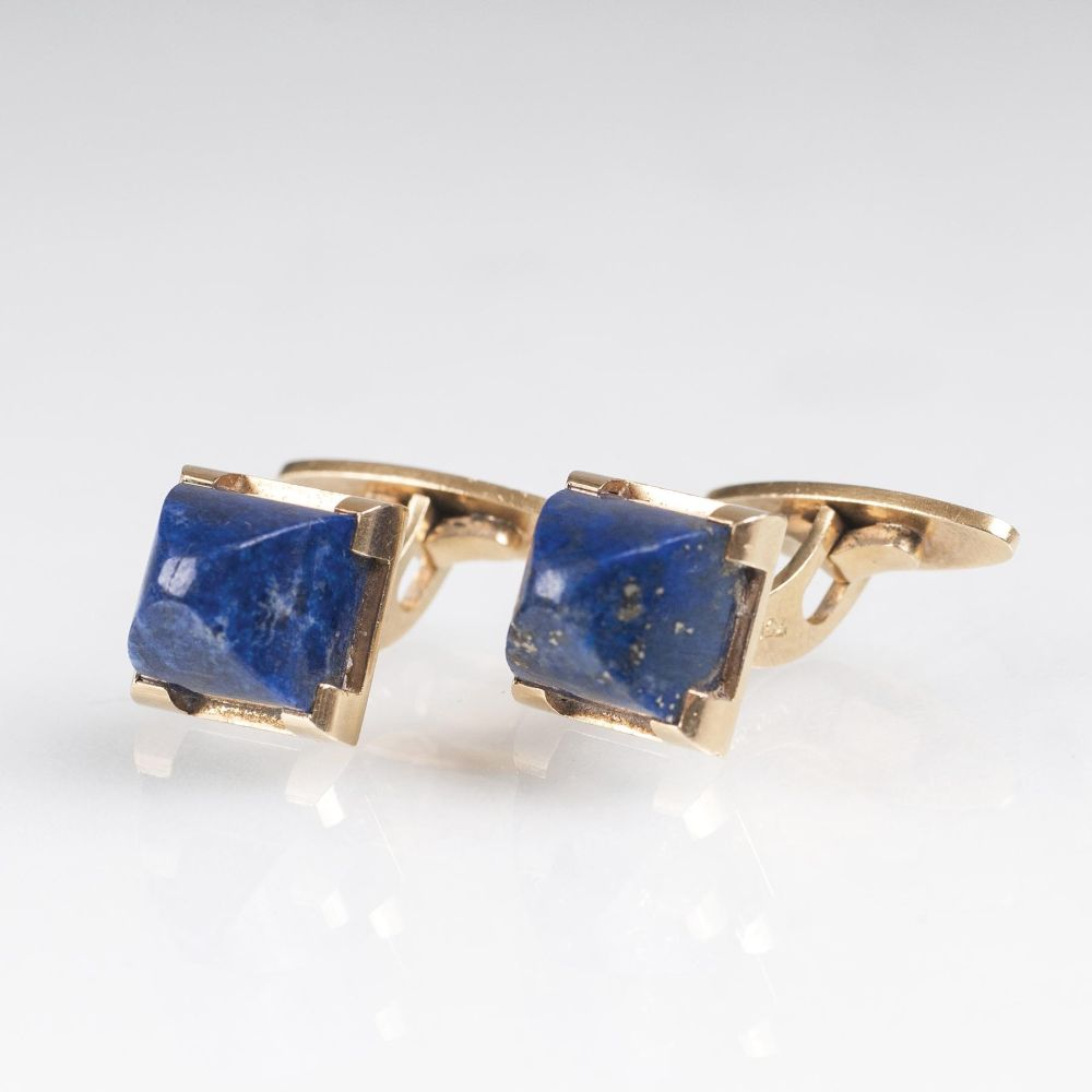 A Pair of Cufflinks with Lapis Lazuli