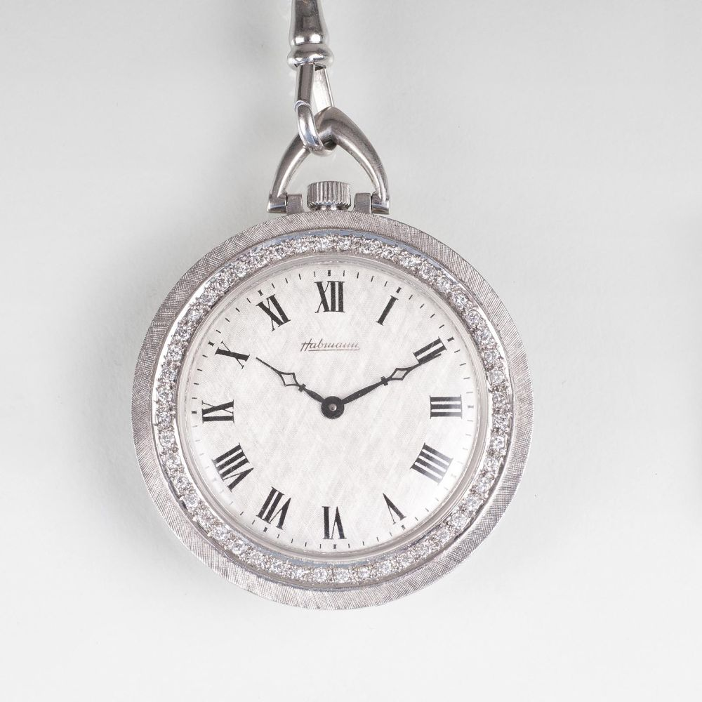 A Vintage Watchpendant with diamonds