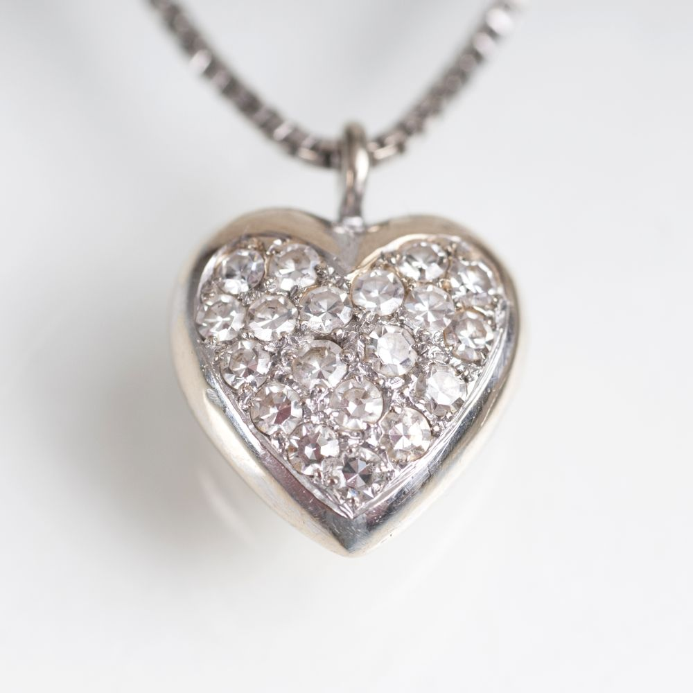 A Heartshaped Diamond Pendant with Necklace