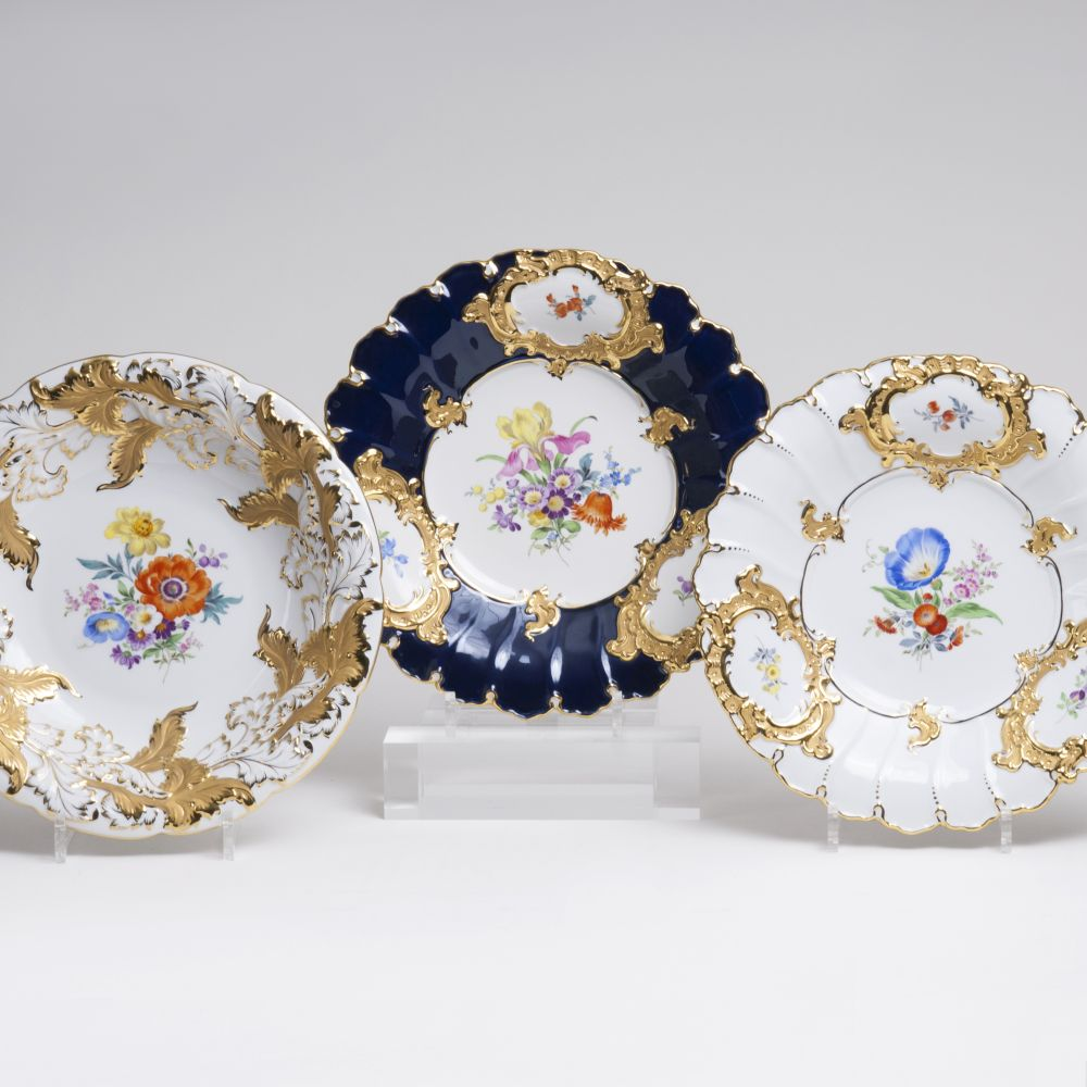 A Set of Three Splendid Dishes
