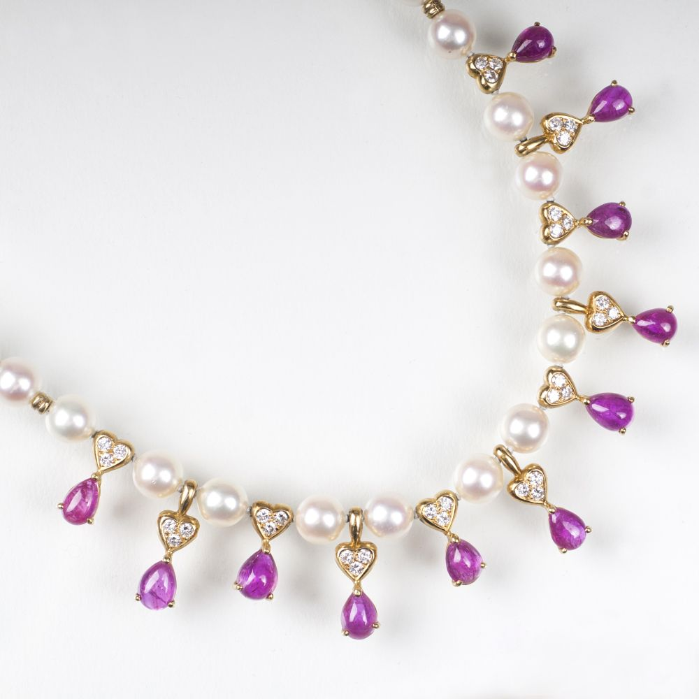 A Pearl Gold Necklace with Rubies