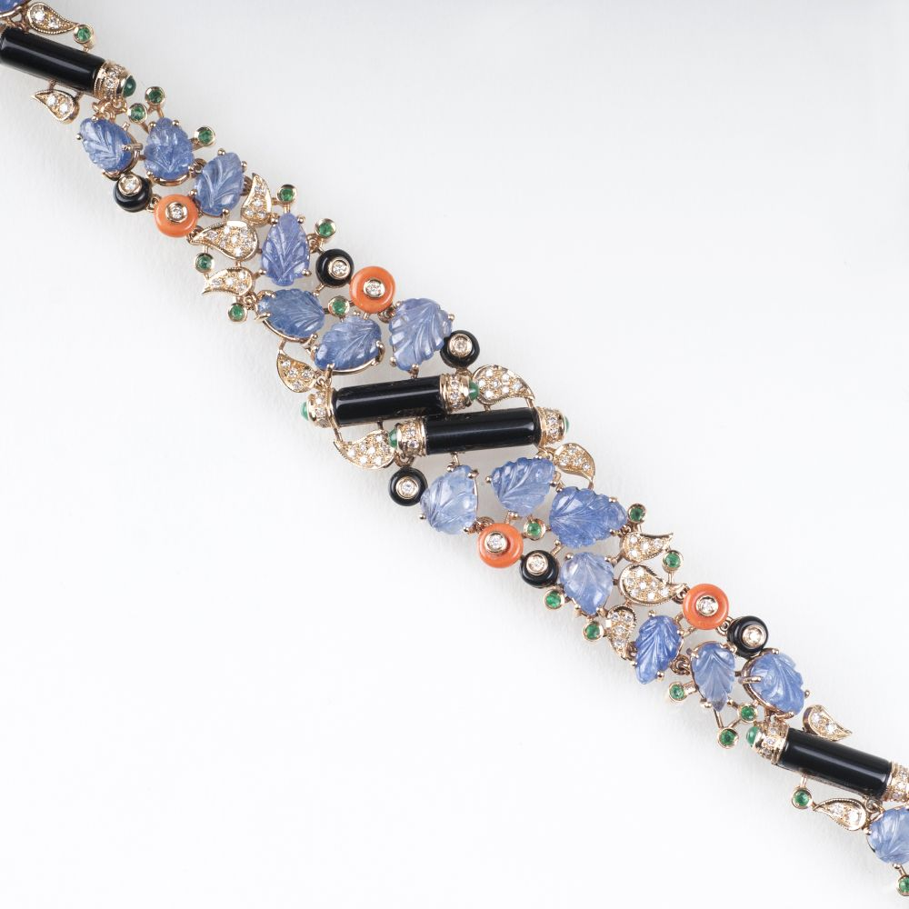 An extraordinary Sapphire Emerald Coral Bracelet in Art-déco Style