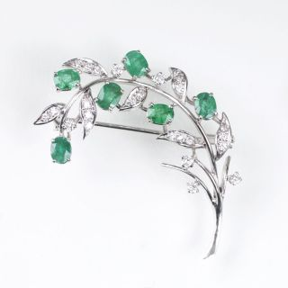 A Emerald Diamond Brooch