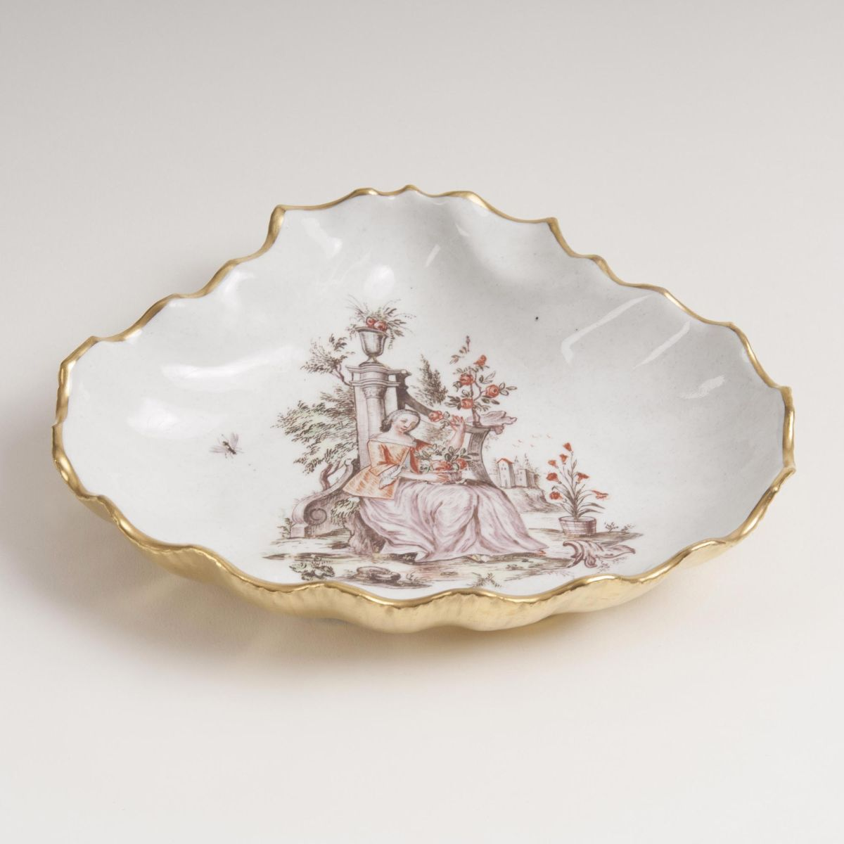 A Shell-shaped Bowl with Hausmalerei by Mayer-Pressnitz