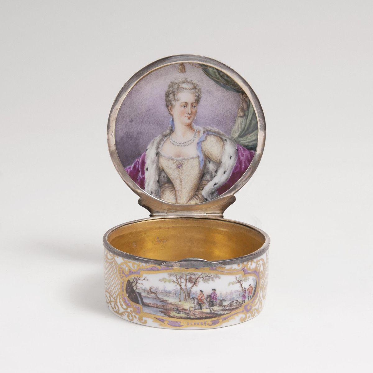 A splendid Tabatière with Portrait of Archduchess Maria Josepha of Austria