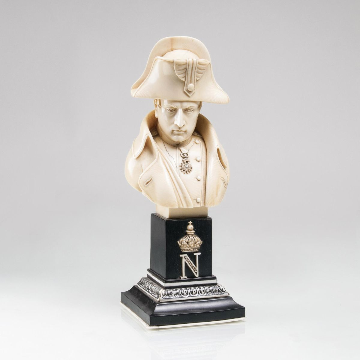 An importante Ivory Bust of Napoléon Bonaparte