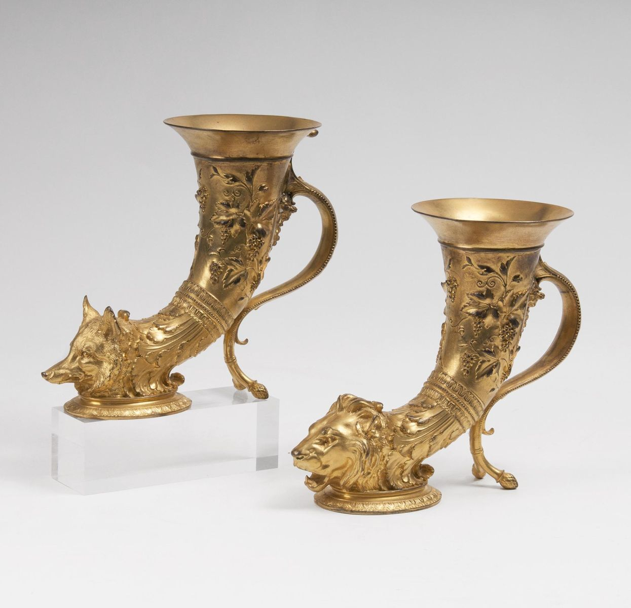 A Pair of Napoléon III. splendid Rhytons with Fox or Lion Head Finial for Maison Barbedienne