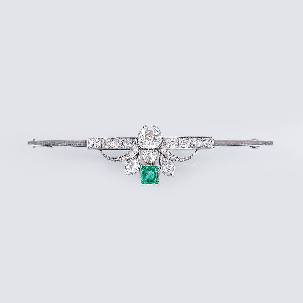 An Art Nouveau Brooch with Diamonds and Emeralds