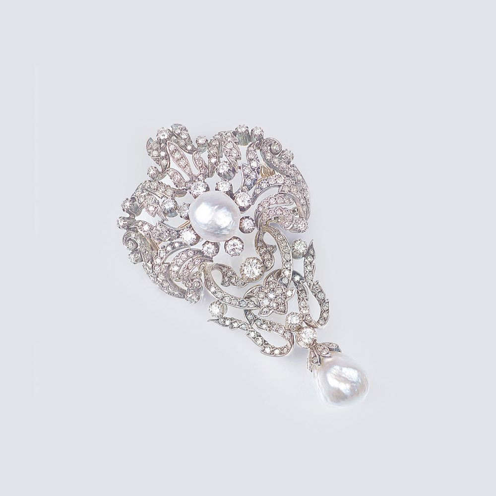 A fine Diamond Art-Nouveau Brooch with Baroque Pearls