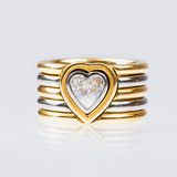Two-Coloured Goldring with Heart Diamond