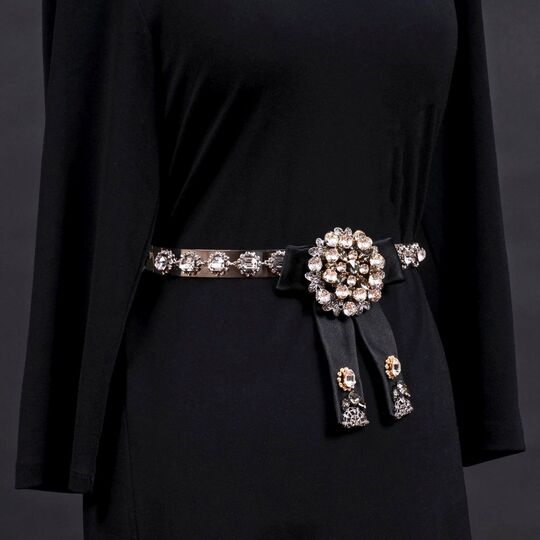 A Chain Belt with Swarovski Crystals 'Cintura Fiocco'